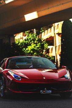Ferrari 458 Italia.  Car of the Day: 1 February 2015.