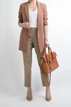 Ideas Womens Fashion For Work Casual Chic Business Attire For 2019 Business Professional Outfits, Business Casual Outfits, Business Attire, Business Fashion, Professional Women, Formal Attire Women Business, Business Women, Business Shoes, Business Style