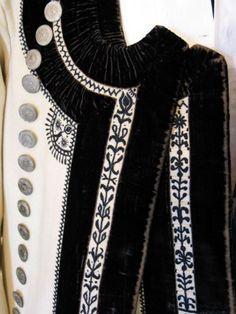 détail d'un costume d'homme de Pontivy, vers 1900