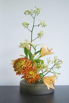 Ikebana 'Autumn colors'   by Otomodachi