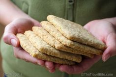 Nova Scotia Oatcakes are crisp like a shortbread cookie or cracker, lightly sweetened, just a smidge salty, and make a great snack! Try this easy recipe . Shortbread Cookies, Cookies Et Biscuits, Oat Cookies, Tea Cakes, Road Trip Essen, Road Trip Food, Granola, Portuguese Recipes, Crack Crackers