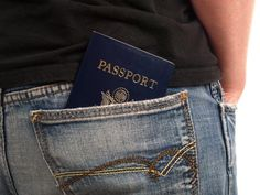 Don't be fooled by these three pickpocketing tricks