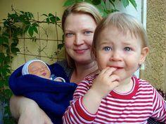 """Hausgeburt, Geburtshaus und Krankenhausgeburt: """" Wie ich meine Kinder geboren habe, das macht mich stark und selbstbewusst in meinem Frau-sein."""" / Familienrollen-Interview mit Carola bei Frühes Vogerl."""