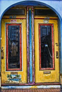 cool door - I think yellow is the color for my trim and front door. Door Entryway, Entrance Doors, Doorway, Cool Doors, Unique Doors, Door Knockers, Door Knobs, When One Door Closes, Yellow Doors