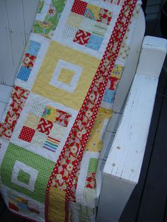 Great use for some of my Mary Engelbrit fabric Quilting 101, Quilting Projects, Sewing Projects, Cute Quilts, Baby Quilts, Mary Engelbreit Fabric, Country Quilts, Quilt Border, Crochet Quilt