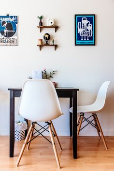 Cindy only has 232 square feet to work with, but she& kept the space bright, the decor minimal and has carved out a comfy home she can enjoy. Dinning Table Small, Ikea Dining Table, Dining Chair, Small Living, Home And Living, Living Spaces, Dining Room Inspiration, Interior Inspiration, Dining Room