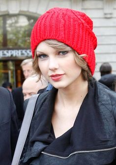 Taylor Swifts red hat hairstyle