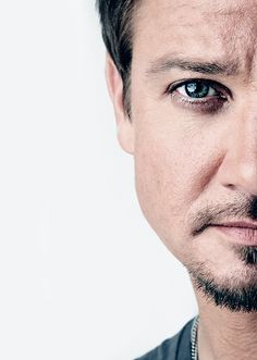 Jeremy renner's eyes are gorgeous!