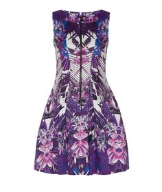 Discover the latest women's dresses from the new Cue collection. Shop our range of black dresses, evening dresses, floral dresses, casual dresses and… Casual Dresses, Dresses For Work, Formal Dresses, Buy Dresses Online, Professional Outfits, Fashion Prints, Style Guides, Evening Dresses, Style Inspiration