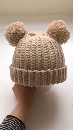 Crochet Beanie Pattern, Baby Knitting Patterns, Crochet Patterns, Crochet Bear Hat, Crochet Hat Sizing, Crochet Hat Tutorial, Knitting Hats, Booties Crochet, Crochet Tutorials