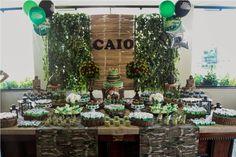 Meu sobrinho Caio completou 6 anos   e pediu uma festa camuflada!   Foi um gostoso desafio montar a festa   com um tema tão difere...