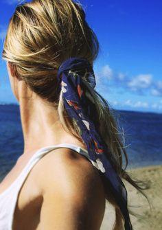 25 Ways to Wear a Summer Scarf