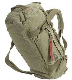 Super Cool Duffle Bag for Men by Northface. 'n super casual Duffel Bag, Backpack Bags, Canvas Duffle Bag, Fashion Bags, Mens Fashion, Survival, Mens Gear, Mode Style, Luggage Bags