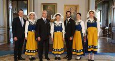Schwedens Royals in Tracht - FOTO: SOREN ANDERSSON / TT NEWS AGENCY / AFP