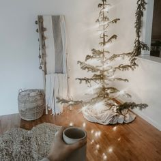Do you have holiday traditions that have surpassed generations? Or are you beginning new traditions with your growing family? The cozy art of hygge is the perfect chance to integrate new traditions into the season. #traditions #holiday #hygge #hyggehome #hyggelife #hyggelifestyle #hyggestyle
