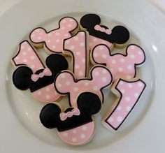 Minnie Mouse inspired cookie favors