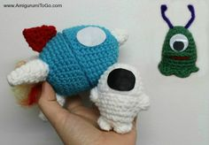 Alien slug!        This is actually part of a set  that includes an Easter Egg Rocket  and an Astronaut . Those 2 patterns will be a...