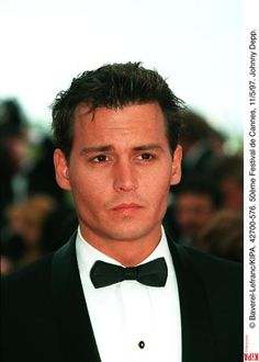 johnny depp sexiest man on the planet; so many looks and all of them goood! Johnny Depp Fans, Young Johnny Depp, Here's Johnny, Jonh Deep, Johnny Depp Joven, Junger Johnny Depp, Johnny Depp Pictures, Don Juan, Attractive Men