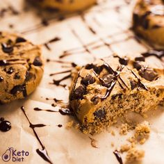"""You want to lose weight by having a healthy keto diet but don't know what to do? Would You Like to Know Exactly What to Eat to Lose Fat and Get Healthy Without Giving Up Your Favorite Foods or Starving Yourself? 👉Join """"""""Custom Keto Diet"""""""". 👌Everything You Need for your Success #ketorecipes #ketogenicliving #ketogenicdiet #ketoweightloss #keto #ketofam #ketofamily #ketoeats #ketofood #ketofriendly #ketojourney #ketolifestyle #ketocommunity #easyketo #ketosnacks #ketolunch #ketomeals Peanut Butter Chocolate Bars, Keto Chocolate Chip Cookies, Keto Meal Plan, Diet Meal Plans, Ketogenic Recipes, Low Carb Recipes, Keto On The Go, Keto Burger, Ketones Diet"""
