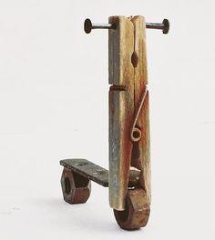 Kirsty Elson entwirft Silly Scooter - Yvonne Dekor Home Driftwood Furniture, Driftwood Crafts, Painted Furniture, Kirsty Elson, Found Object Art, Scrap Metal Art, Junk Art, Wooden Art, Recycled Art