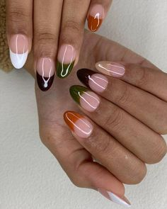 From '70s swirls to minimalist metallics, click through to see the 9 manicure trends set to be everywhere this autumn. Rose Nails, Flower Nails, 3d Nails, Classic French Manicure, French Nails, Negative Space Nails, Seasonal Nails, Manicure At Home, Autumn Nails
