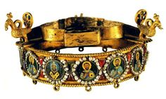 "Votive crown of emperor Leo VI ""the Wise"". Late 9th century."