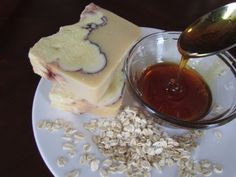 """Cold Process - Making Soap with """"Oat Milk,"""" ground Oats & Honey (Cool tutorial. Use any basic recipe and her additives/method. - Deb)"""