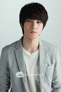 Lee Jong-hyun of CNBLUE made his acting debut in the movie Acoustic followed by television debut in A Gentleman's Dignity in 2012.