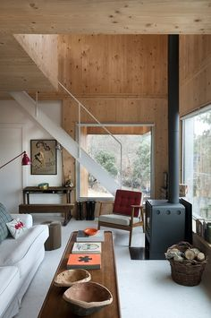 Inspiring Spaces via A House in the Hills - a modern cabin Interior Modern, Interior Architecture, Interior And Exterior, Cosy Interior, Chalet Interior, Midcentury Modern, Plywood Walls, Wooden Walls, Wooden House