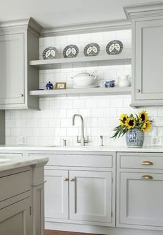 Cool 80 Gorgeous Farmhouse Gray Kitchen Cabinet Design Ideas https://rusticroom.co/3884/80-gorgeous-farmhouse-gray-kitchen-cabinet-design-ideas
