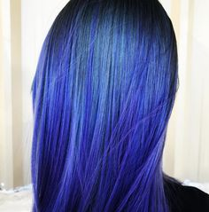 We're feelin' the blue vibez this #FreakyFriday. Color by IG's @hairbyeileen.