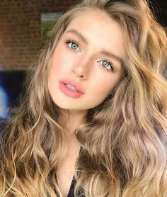 Brown Wigs Lace Hair Blonde Wig 2019 Hairstyles Curly Undercut 1 Fade Haircut Blond Highlights On Dark Hair Bleaching Hair With Lemon Cornrows Hairstyles 2019 Lemy Beauty, Curly Undercut, Dark Hair With Highlights, Corte Y Color, Lace Hair, Blonde Wig, Bleached Hair, Beautiful Eyes, Hair Masks