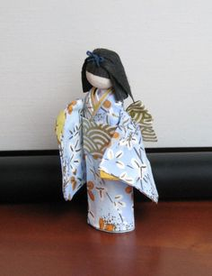 Posts about Washi Doll written by lindenflower Doll Crafts, Fun Crafts, Diy And Crafts, Paper Crafts, Japanese Origami, Japanese Paper, Japanese Doll, Washi, Asian Cards