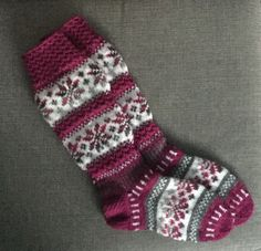Fair isle knit socks in shades of cranberry, rose, gray, and white Knitting For Charity, Fair Isle Knitting, Knitting Socks, Hand Knitting, Knit Socks, Tapestry Crochet, Knit Crochet, Lots Of Socks, Knitting Machine Patterns