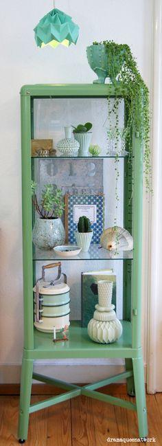 Urban Jungle Bloggers: My Plant Shelfie by @dramaqueenatwork
