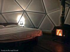 Dove dormire in Scozia: Mini guida ricerca alloggio - 50sfumaturediviaggio Glamping, Cottage, Bed, Mini, House, Furniture, Home Decor, Decoration Home, Stream Bed