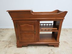 Chippendale Server Maple Carved Sideboard Dry Sink