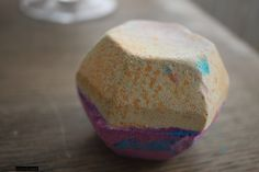 LUSH The Experimenter Bath Bomb • Casual Contrast