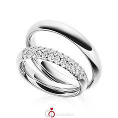 Paar Trauringe/Eheringe von Steinberg in Weißgold 585/- Oberfläche: poliert mit zus. 0,48 ct. Brillant tw, si (Produkt 1 mit Steinbesatz, Produkt 2 ohne Steinbesatz) #steinberg #123gold #trauringe #eheringe #partnerringe #freundschaftsringe #hochzeit #gold #weißgold #14k #585 #poliert #struktur #brillant #säule #diamant Platinum Wedding Rings, Engagement Rings, Jewelry, Wedding Ideas, Products, Jewels, Rings, Diamond, Classic Wedding Rings