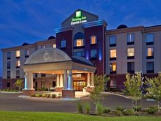 Sevierville (TN) Holiday Inn Express Hotel & Suites Kodak East-Sevierville United States, North America The 2-star Holiday Inn Express Hotel & Suites Kodak East-Sevi offers comfort and convenience whether you're on business or holiday in Sevierville (TN). The property features a wide range of facilities to make your stay a pleasant experience. Free Wi-Fi in all rooms, 24-hour front desk, facilities for disabled guests, business center, laundry service are on the list of things...