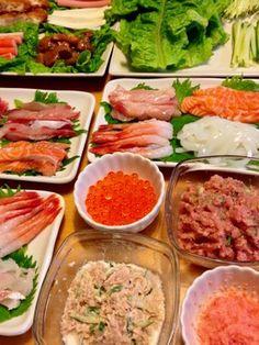 手間なし&簡単!アイデア手巻き寿司の具 Sushi Burger, My Sushi, Sushi Pictures, Sushi Donuts, Scallion Pancakes, Homemade Sushi, Miso Soup, Orange Chicken, Tempura