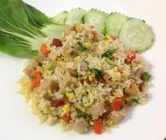Something I eat often and it's very easy to make. Vietnamese Fried Rice Recipe, Vietnamese Cuisine, Vietnamese Recipes, Asian Recipes, Healthy Recipes, Ethnic Recipes, Asian Foods, Recipes From Heaven, Rice Dishes