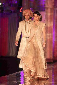 beautiful fashion of India ...