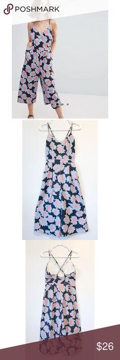 Glamorous jumpsuits size 4 Size 4 Wide leg  Crop length Adjustable strap Glamorous Dresses Midi