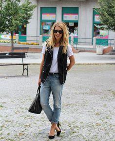 VEST: Czech Chicks Leather Vest Outfit, Black Leather Vest, Black Vest, City Outfits, Vest Outfits, Fashion Outfits, Womens Fashion, Fashion Ideas, Cool Girl Outfits