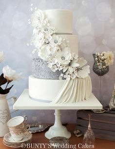 Silver Sparkle by Bunty's Wedding Cakes - http://cakesdecor.com/cakes/249978-silver-sparkle