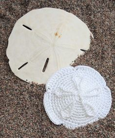 Sand dollar. I wish I could work with that teeny tiny blasted thread