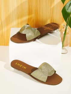 To find out about the Plaited Detail Open Toe Sliders at SHEIN, part of our latest Slippers ready to shop online today! Bling Sandals, Ankle Strap Sandals, Shoes Sandals, Dsw Shoes, Women's Slip On Shoes, Ballet Shoes Drawing, Leather Sandals Flat, Crochet Shoes, Beautiful Shoes