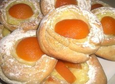 1075760_185002895001834_637107481_n Czech Recipes, Doughnut, Goodies, Pie, Bread, Candy, Baking, Fruit, Breakfast