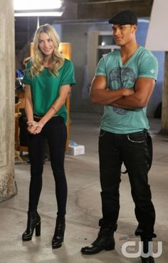 """America's Next Top Model -- """"Meet the Guys & Girls of Cycle 20 - Part 2"""" pictured l-r: Supermodel Jessica Hart and Rob Evans Cycle 20 Photo: Patrick Wymore/The CW ©2013 The CW Network, LLC. All Rights Reserved"""